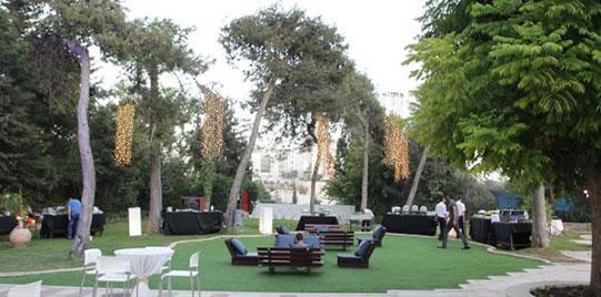 מלון גני ירושלים - גיל תיירות ונופש - קיץ 2020 - מדשאות
